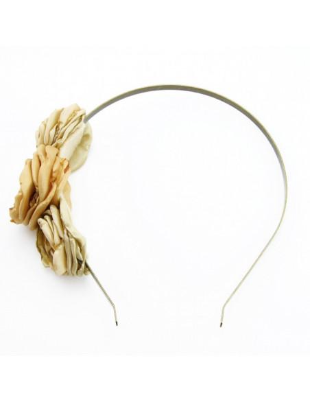 Matu stīpiņa (Zeltainiem auduma ziediņiem)