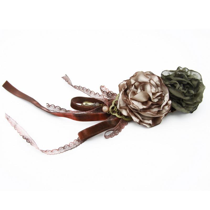 Broša (Haki un krēmkrāsas ziediņi, mēness akmens pērles)