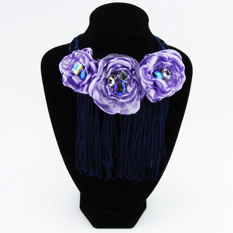 Necklace (Light violet...