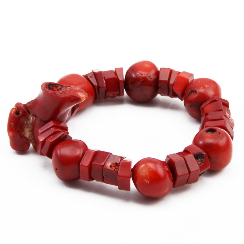 Elastic bracelet with coral