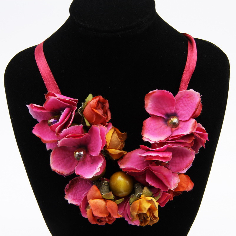 Necklace with pink and...