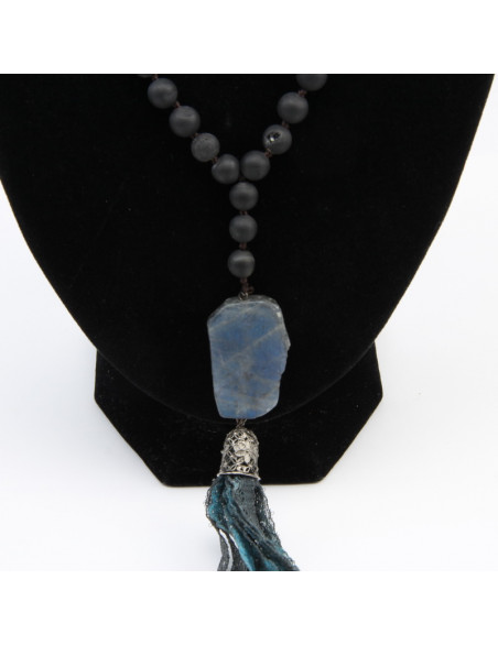 Necklace with black agate