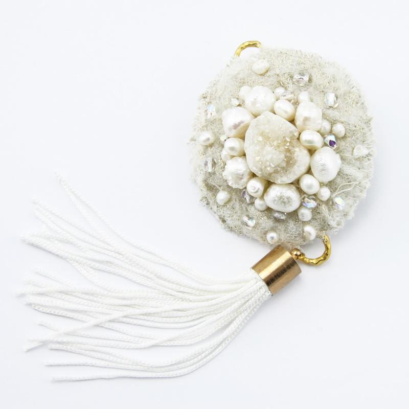 Broša (Ahāts, saldūdens pērle)