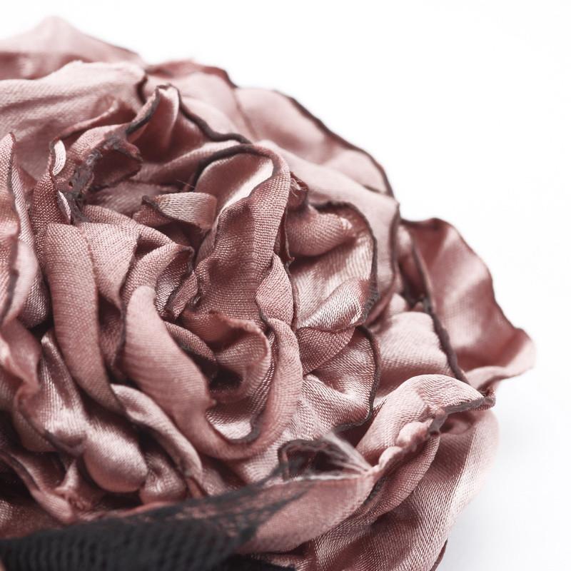 Broša (Auduma ziedi)