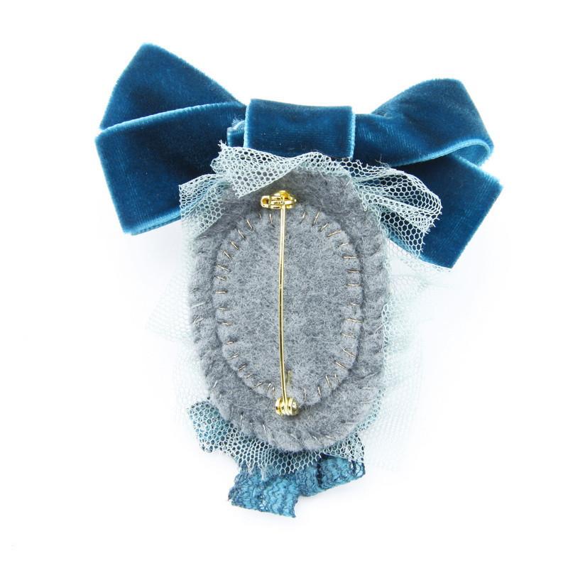 Broša ( Zila satīna lente, akvemarīns)