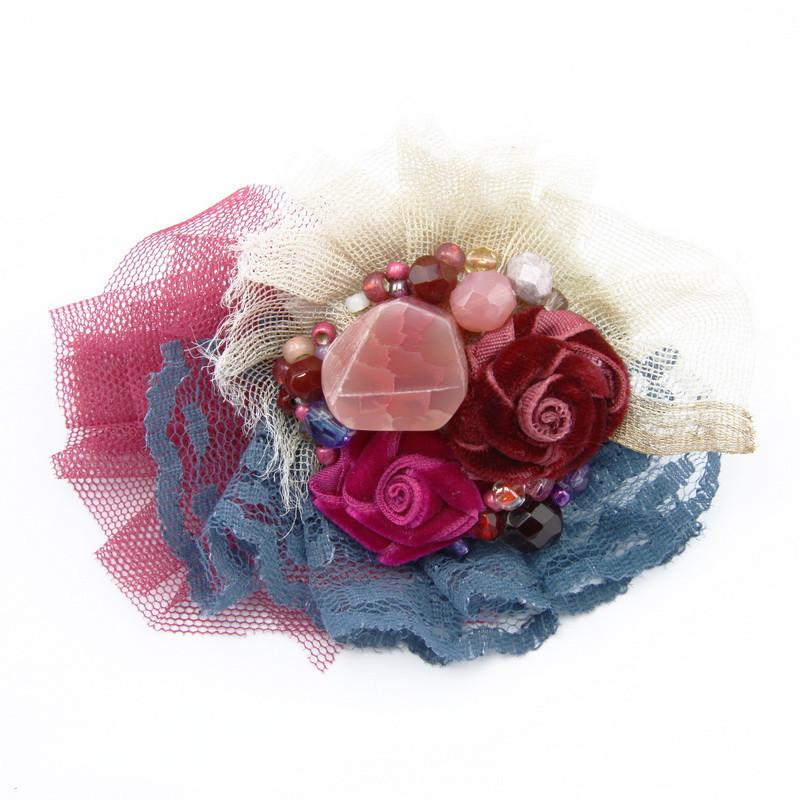 Broša (Sarkana un rozā satīna lentas ziediņi)