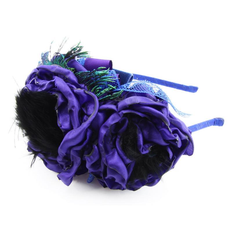 Matu stīpiņa (Tumši violetiem ziediņiem un melnām pūciņām)